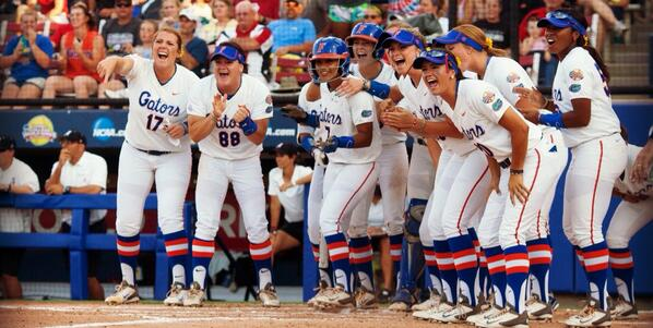CHOMP! Florida claims first #d1softball title with 6-3 win over Alabama! #WCWS http://t.co/qA4WEqGhnl