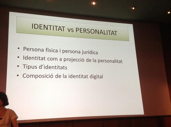 Marc legal de la #identitatdigital amb @BERNATGOULA #salut20comb: LSSI, LOPD, signatura electrònica i la #Confiança! http://t.co/G9fBoisJEW