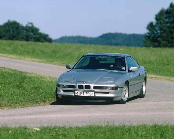 Сегодня BMW 8 серии отмечает 25-летний юбилей. http://t.co/iFeyYmKfcv
