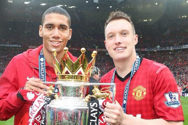 Rio Ferdinand says hed like young Man United centre backs to get a chance at club [Tweets]