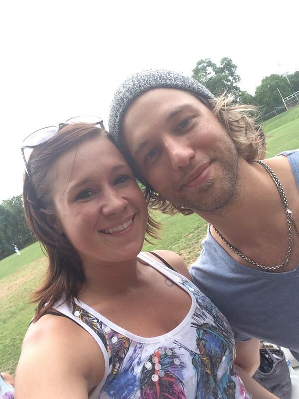@CMAFestVIP played some kickball with @caseyjames today and a lot of fans! http://t.co/fLrg7daZsg