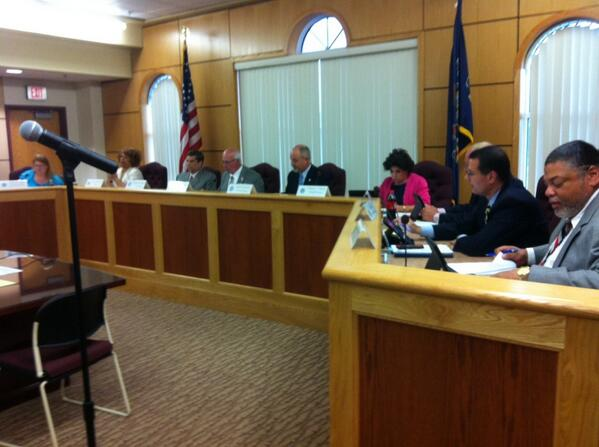 And the #Pottstown Borough Council meeting is off and running. Hold on folks. @MercuryX http://t.co/b2TLWTRz7X