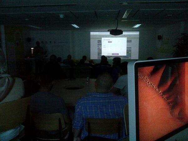 وفد سعودي كبير معنا الآن في #المختبر للتعرف على منصتنا الرقمية التي اطلقناها أمس لأول مرة! سعداء جدا بحضورهم! http://t.co/Yqj5qJIRi3