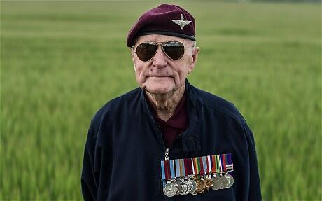 D-Day veteran, 89, parachutes into Normandy again http://t.co/nw6vwi03Fp http://t.co/jb7vC5LXg4