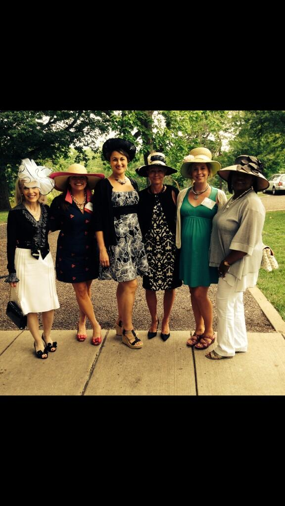 Special afternoon spent with friends @ForestPark4Ever @MisterGuyWomens @caroldanielKMOX @DebbieMonterrey http://t.co/JUjZqYHRVr