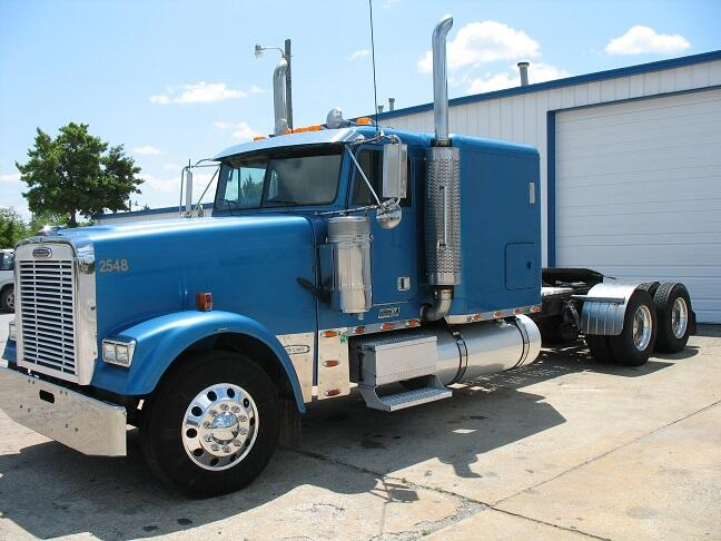 """JES Sales Co on Twitter: """"2005 #FREIGHTLINER Classic XL ..."""