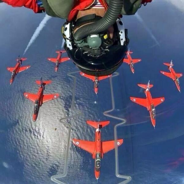 This has to be one of the best 'selfies' I've seen! Red 1 from the @RedArrowsUK sharing the moment near Portsmouth. http://t.co/SWDT7u4iUx
