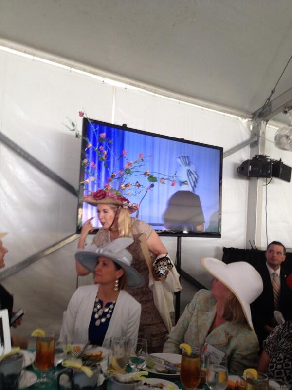 @mayorslay congratulates a 'hat' winner @ForestPark4Ever  luncheon http://t.co/nqjzQt3A1K