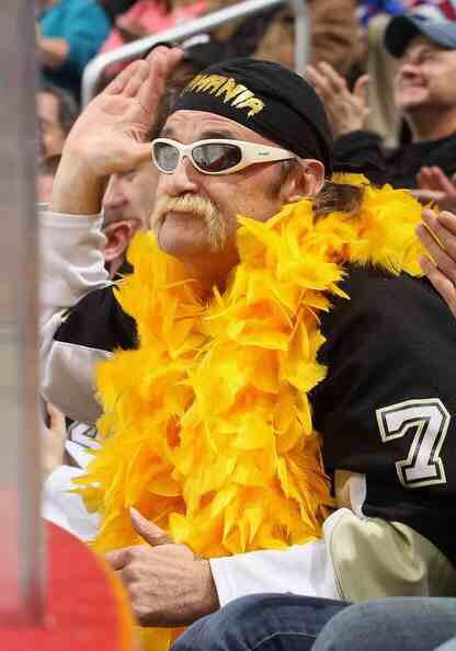 It's with deeply felt sadness we say goodbye to a friend and fellow fan. Rest in Peace, Cy. @MalkaMania71 http://t.co/LTyUi6K3e2