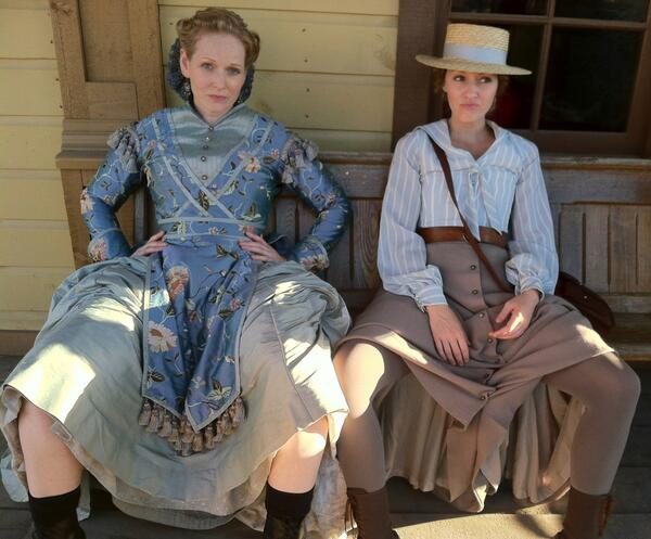 So. Much. Love. RT @JenniferFerrin @HellOnWheelsAMC A hot day in Hell S3. Me & the gorgeous Che trying to stay cool. http://t.co/otrTWS7naR