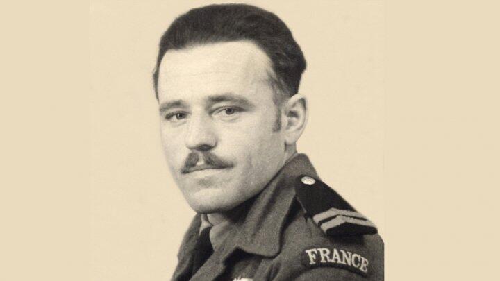 Il y a 70 ans, à 00h40, le caporal français Emile Bouétard est abattu au Moulin de Plumelec. Il est le 1er soldat tué http://t.co/xTmykiwoRx