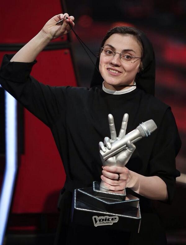 Sor Cristina ganadora de The Voice Italy ¿Renovará sus votos o tras este triunfo todo podría cambiar? (Foto Getty) http://t.co/YSUT2BvvgU