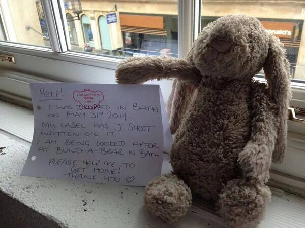 Lost teddy bear alert: http://t.co/D88f8axyHJ