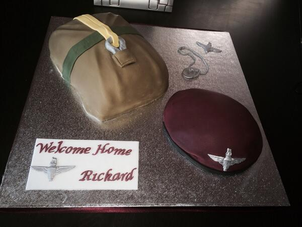 Cake I made for para sons safe return from afghan, party tonight as we get to see him again, chute & beret #DDay70 http://t.co/s1no38ndU5