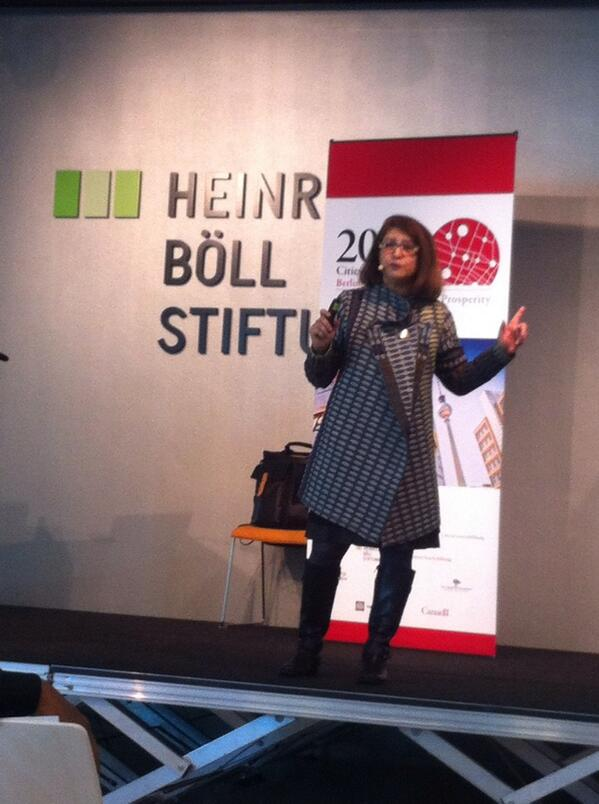 Mahzarin Banaji enlightening us at #citiesmigration2014 conference @CitiesMigration @maytree_canada @boell_stiftung http://t.co/pFf01a84p3