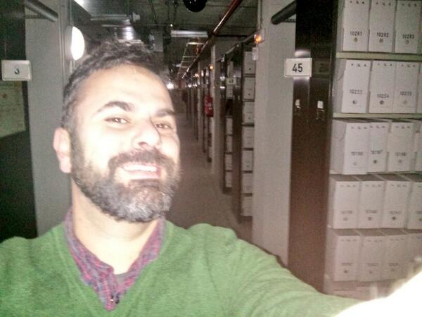 .@asociacionACAL Ahí va la mía!! #acalDia #archiveshelfie #selfie http://t.co/eivNoA7WtC