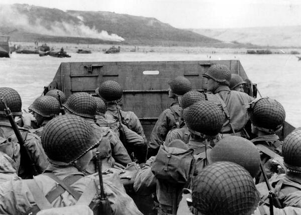 Today, we honor the service & sacrifice of those who stormed the beaches of #Normandy 70 years ago. #DDay70 http://t.co/6pMMCiwDWv
