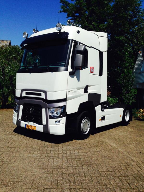 """M.S de Vries & Co on Twitter: """"Nieuwe Renault T 480 voor Hooijer ..."""