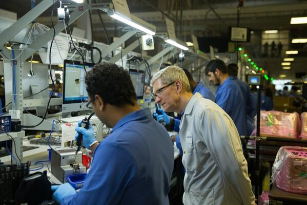 "Apple uses Windows to make Macs. ""@tim_cook: Watching the Mac Pro come together in Austin [...] http://t.co/3pT5RcV4pk"""