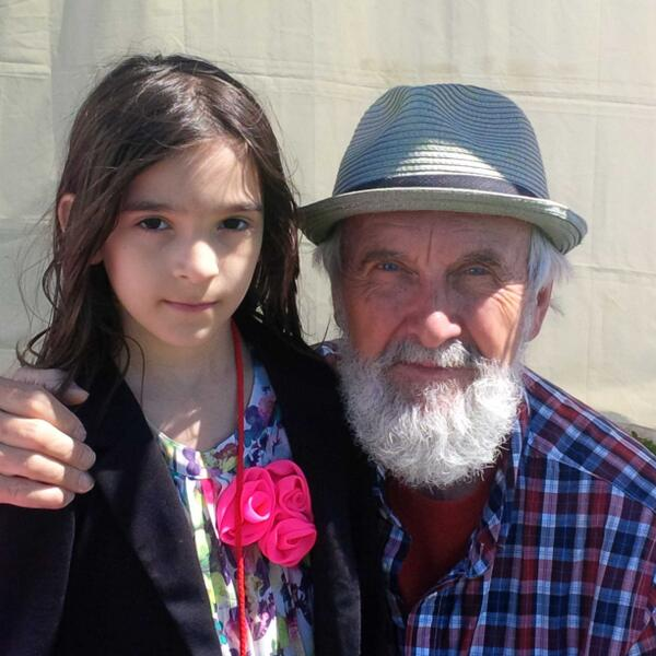 Lea and Fred Penner @kidsfestwpg - what a #Winnipeg icon! http://t.co/0tAIW6R2wz