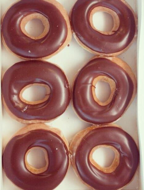 """Happy #NationalDoughnutDay! Remember to visit @krispykreme  for your free doughnut today  http://t.co/B5PKcABEE3"""""""