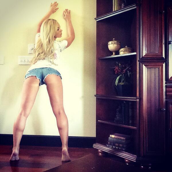 Kinky Alexis Fawx Bukkake