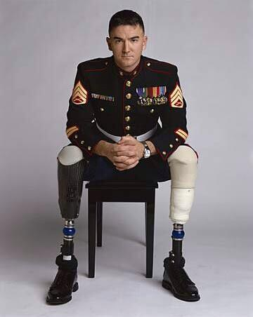 If Justin Bieber can get thousands of Retweets let's see how many this war hero can get? This picture inspired me! http://t.co/fg53yDMW6X