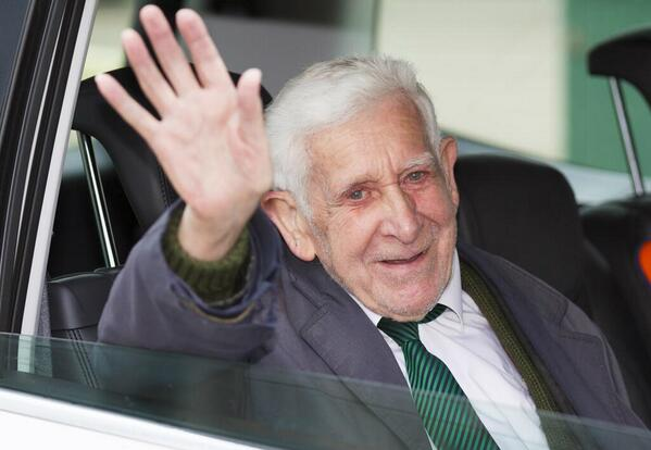After his #GreatEscape #BernardJordan has just arrived back at the nursing home. #Victory, http://t.co/KZB4Jj1ims