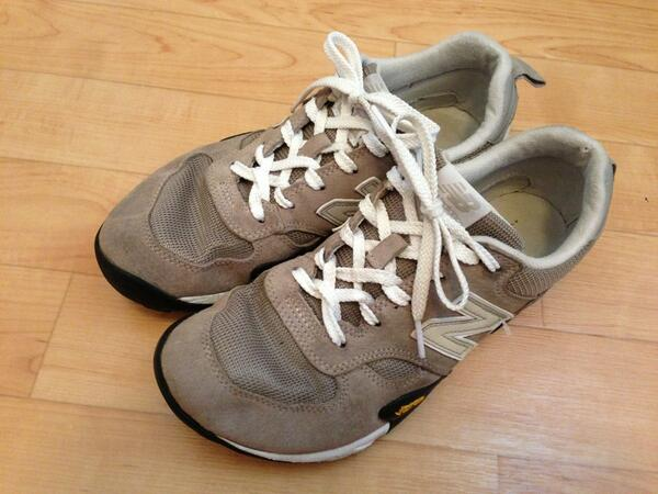 結び方 ニューバランス 紐 【574】ニューバランスのスニーカーには公式の靴紐の結び方がある!正しく結んでおしゃれに履く方法を紹介!!【996】