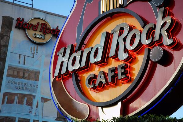 I play the #HardRockCafeNashville today for @CMAFestVIP #CMAFest at 1:30PM!