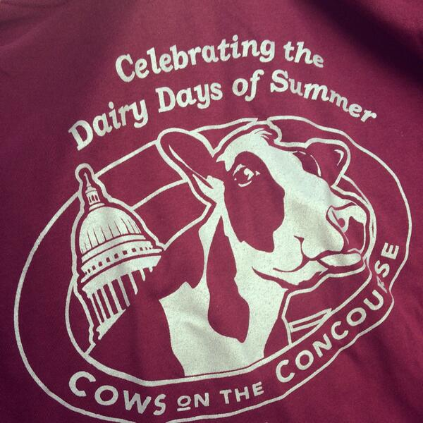 #Cows on the Concourse in #Madison #WI today from 8AM to 1PM at the Capitol Square. A great #family event! #dairy http://t.co/yLSOVCjbA4