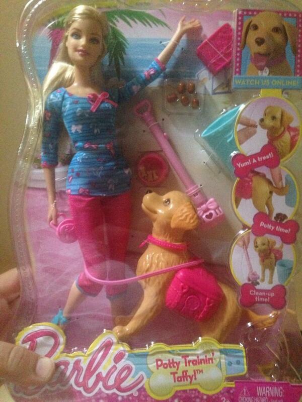 Louisgsylvestre On Twitter Une Barbie Qui Ramasse Les