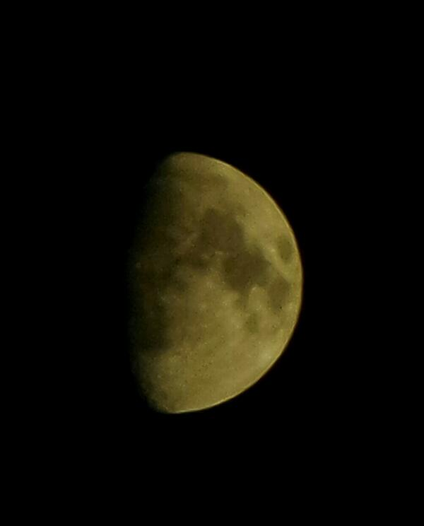 The Moon. Handheld :-)  #KZoom http://t.co/U5CCODIN9S