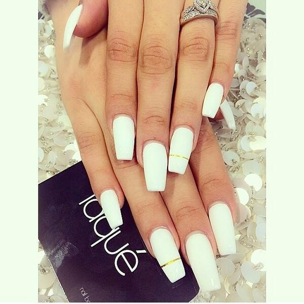 Laque Nail Bar On Twitter Simple White With Gold Strip Http T Co Xp11ob6wlv