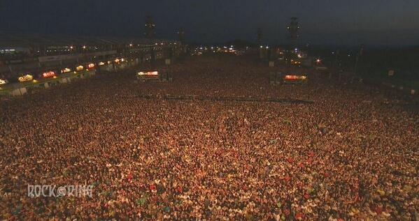 80,000 people are ready at Rock am Ring! #LinkinPark #TheHuntingParty http://t.co/FZgwbDe5We