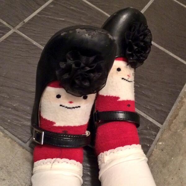 娘がかわいいと思っている靴下と靴だが…、組み合わせると、ツッパリにしか見えない。 pic.twitter.com/2BmHQIkHUb