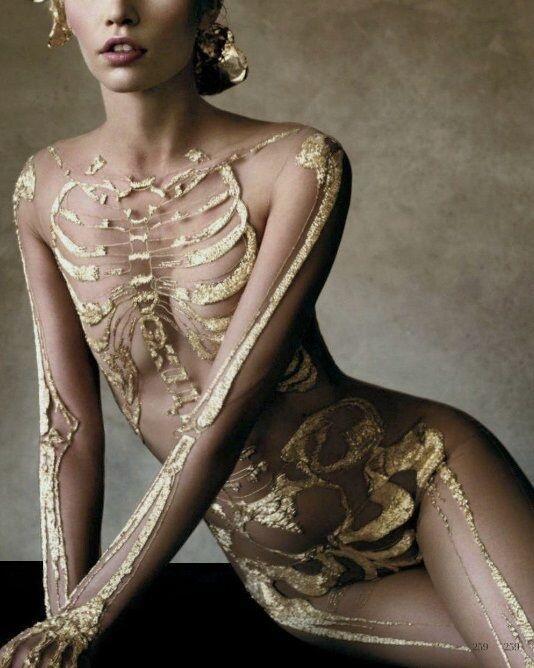 """Stunning """"@TheGoodDeath: Golden Bones. Victor Demarchelier, Bazaar Magazine 2012. http://t.co/zLM0DH8lQc"""""""