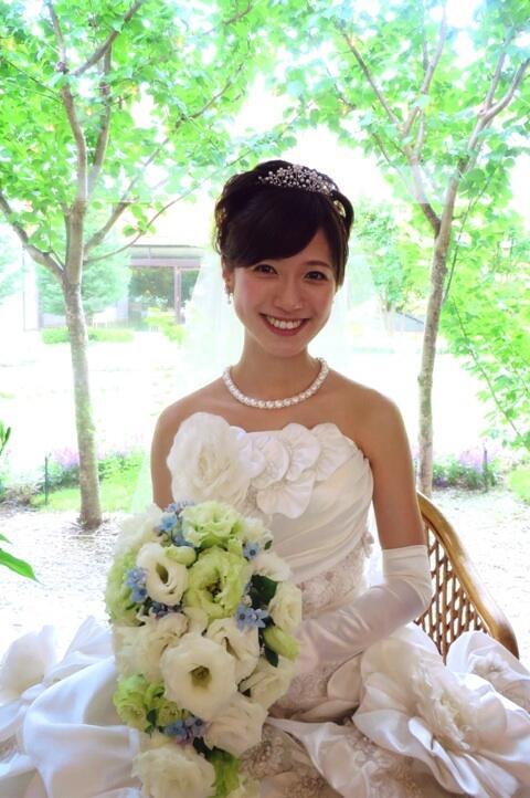 ブログを更新しました!『挙式』 6月7日、両家親族とささやかながら大阪にて挙式&披露宴をとり行いました♪一生忘れられない素敵な一日となりました^^雨もやんで、よかったな〜。 http://t.co/33yGPi6hnb http://t.co/wskA9s5s4l