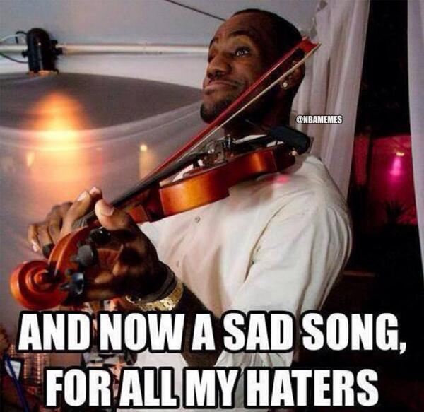 LeBron James comes back with a BANG!   #whatcramps #sorryhaters #Spurs #Heat #MIAvsSA http://t.co/JcU8PlwEiG