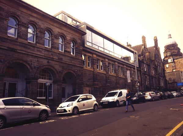 The dovecot Studios on the Old town Walk @IHBCtweet http://t.co/5YQa1ltdOZ