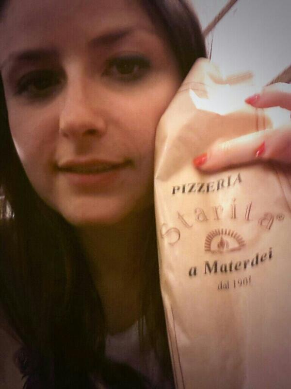 Il cibo è felicità #napoli #starita #materdei #rionesanità #cuoredinapoli #ingersnapoli #SMM14 @SostienitiBlogpic.twitter.com/cnTCl1HUSZ