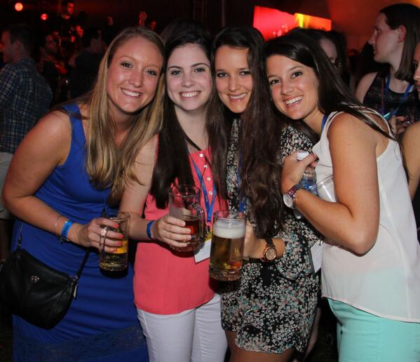 UD alumni: Check out our photo gallery from Alumni Weekend #newarkde #udel #UDAW http://t.co/VYhfKfcYcu http://t.co/TNiwJ2Xwna