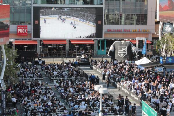Viewing party at #lalive for @LAKings game! #GoKingsGo http://t.co/qIdxIn8eiX