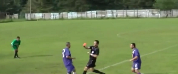 Shocking! Romanian player brutally breaks referees nose with running headbutt (Semenicul Văliug v Anina)