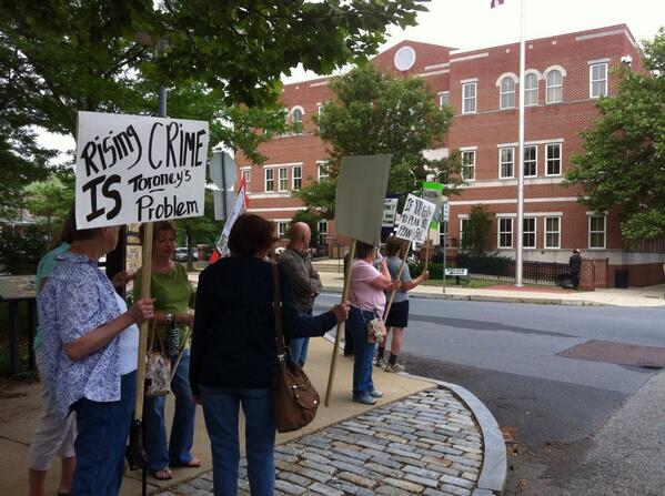 The protestors are outside #Pottstown Borough Hall. @MercuryX http://t.co/5oyoRigjsT
