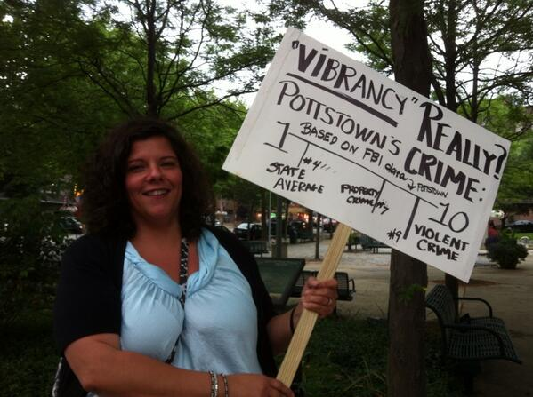 School Board member Mary Beth Bacallao has a sign as well. @MercuryX http://t.co/OWVkk74GpN