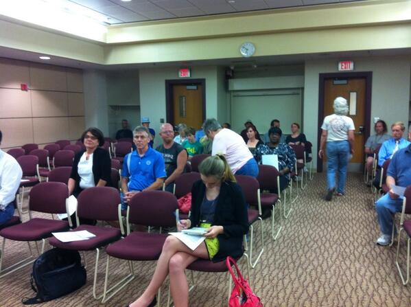 The audience at tonight's council meeting. @MercuryX http://t.co/1gNKD0lOyh