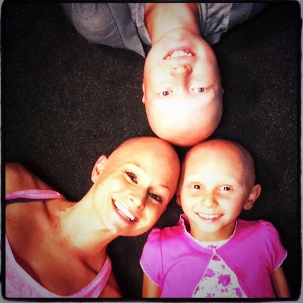 Why is life awesome? Because of moments like this: #alopecia #love #happytobeme http://t.co/n5bHuYqdqD