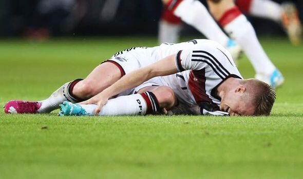 Bpx1Hi2CEAE9i9Z Borussia Blow! Injured Dortmund attacker Marco Reus will be out of action for the next three months