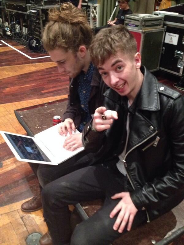 Jack and Sam from @MARMOZETS are answering your questions #r1rocks while @malloryknoxband sound check! http://t.co/zSjWarLIsw